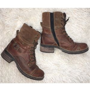 Tao's Boots brown leather lace up fall boots